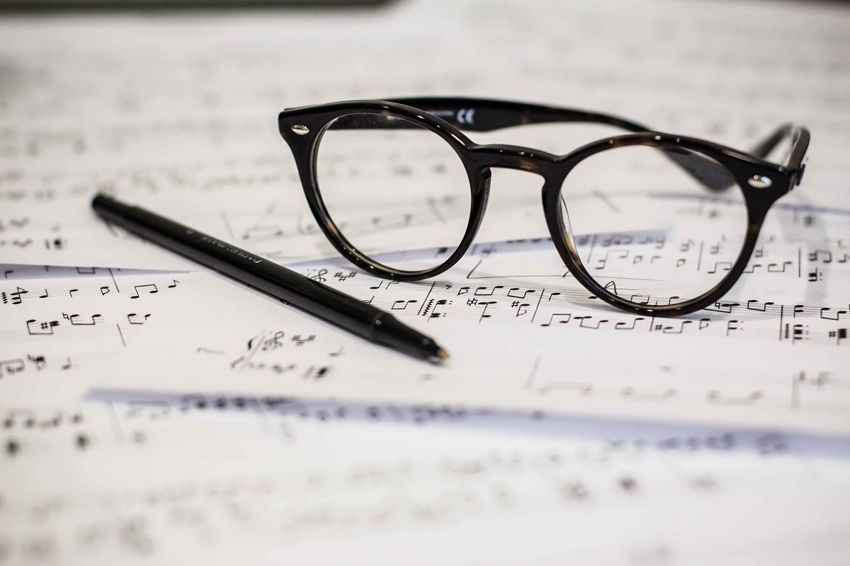 GENERAL - sheet music glasses